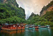 Du lịch Trương Gia Giới ngắm nhìn vẻ đẹp Hồ Bảo Phong
